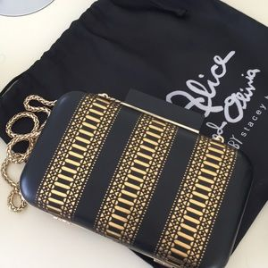 Alice and Olivia clutch